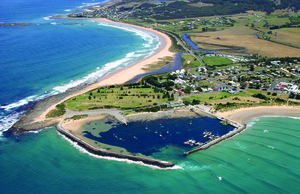 Apollo_Bay_Harbour_aerial